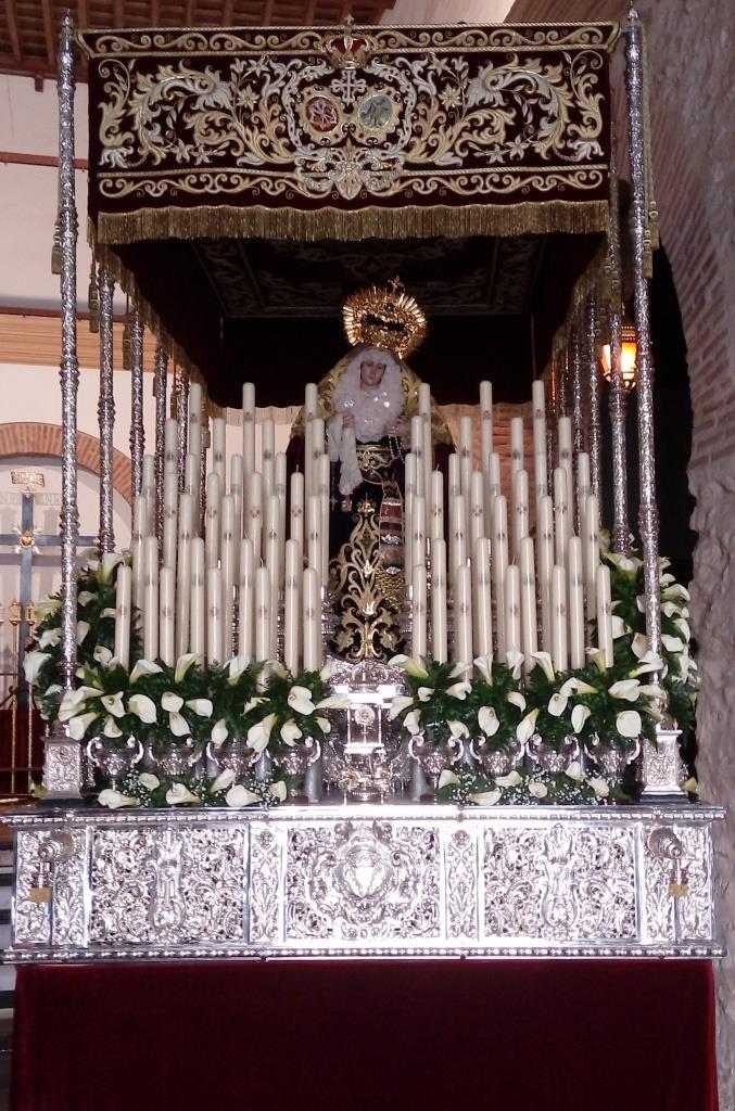 Entrega de los cirios donados de la candelería de María Stma. de la Palma, Reina de los Mártires.