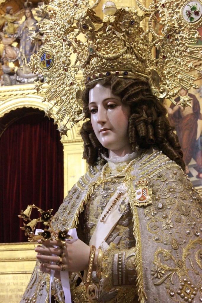 Ofrenda floral de nuestra Hermandad a la Stma. Virgen de Consolación, Patrona de Valdepeñas.